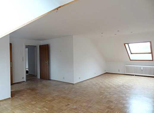 Bochum-Hamme: Dachgeschosswohnung mit großem Wohnbereich