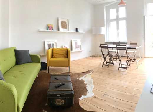 Altbau, ganz neu: Möbliertes Zimmer mit großer Wohnküche im kernsanierten Altbau