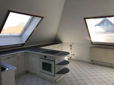 Gohlis Dachgeschoß, Parkett, großes Wohn- und Schlafzimmer ...