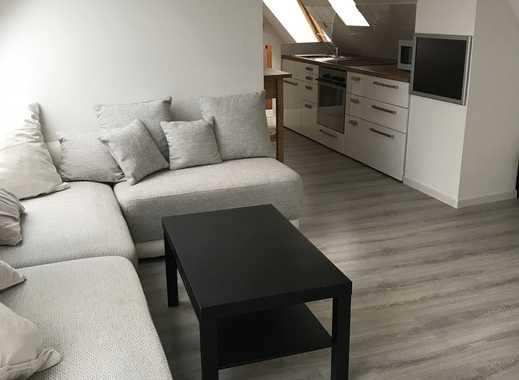 Erstbezug nach Modernisierung: stilvoll möblierte  2-Zimmer-Dachgeschosswohnung in Stuttgart