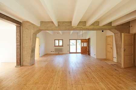 Kernsanierte Loft-Wohnung in charaktervollem Alpenhaus in Fischbachau