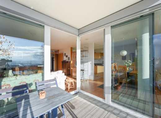 Stilvolle, modernisierte 3-Zimmer-Wohnung mit Balkon und EBK in Stuttgart