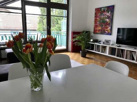Exklusive 3-Zimmer-Dachgeschosswohnung mit Balkon und EBK in Deisenhofen zur Untermiete in Oberhaching