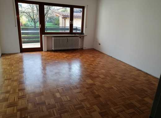 Vollständig renovierte 2-Zimmer-Wohnung mit Balkon und Einbauküche in Raubling/Reischenhart