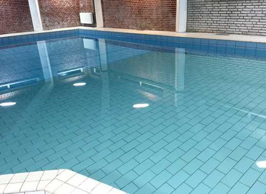 Große 3-Zimmer Wohnung im Erdgeschoss, mit Schwimmbad, Sauna und großem Balkon zu vermieten!