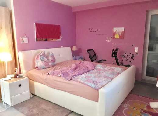 Großzügige 1-Zimmer Wohnung mit EBK, TL-Bad, Terrasse