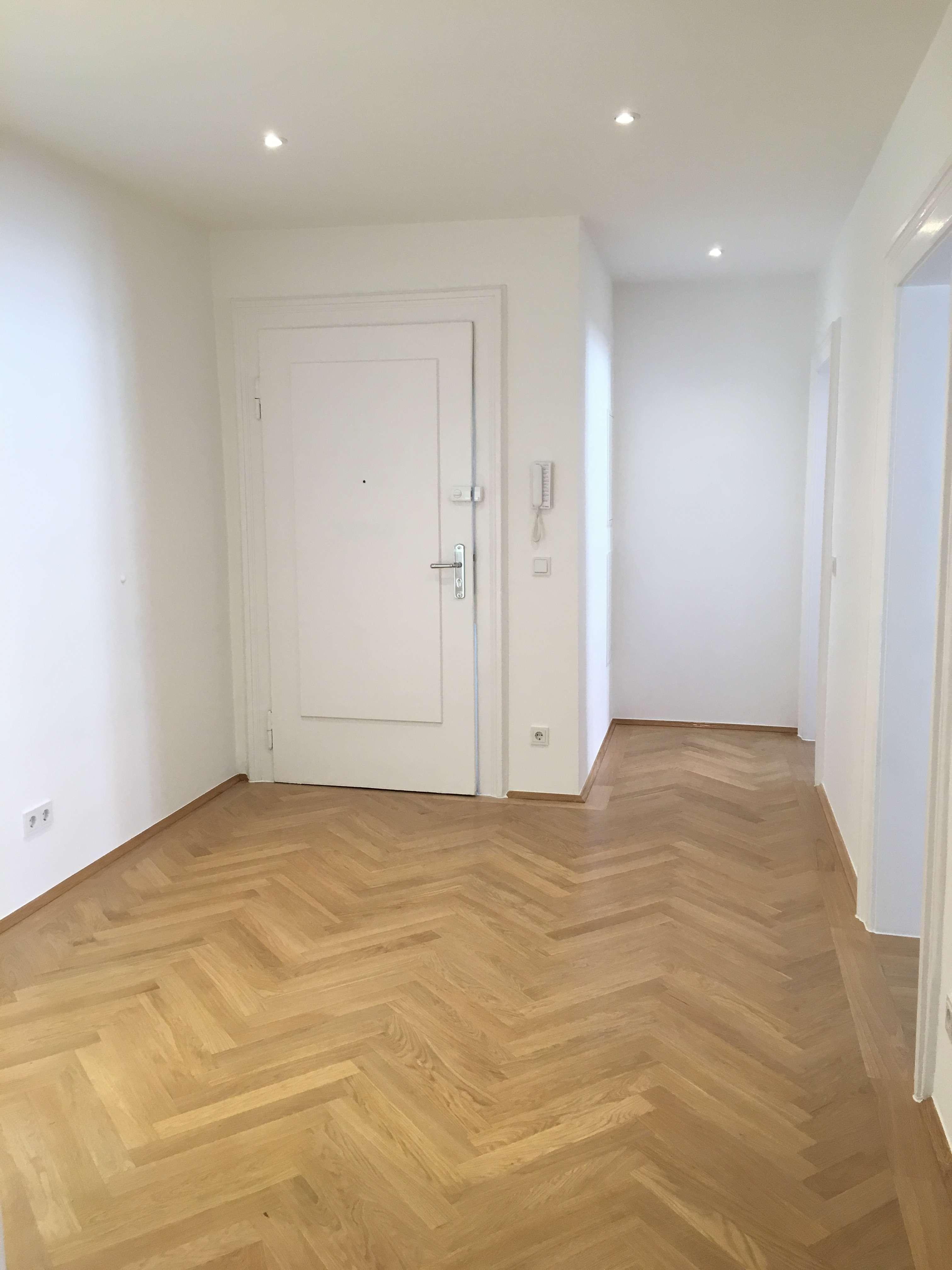 Erstbezug nach Sanierung - Schöne 4-Zimmer-Wohnung mit Balkon!