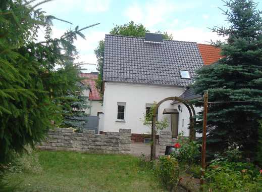 schmuckes Haus mit Keller, Toreinfahrt, Hof und Garten