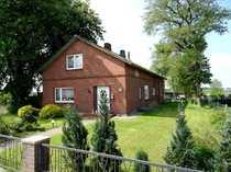 Modernisierungsbedürftiges Einfamilienhaus mit Stallanbau in