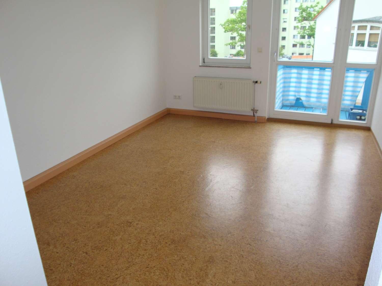 Roter Hügel Bayreuth, 1-Zi.-Wohnung mit Balkon, Kleinküche, Kfz.-Stellplatz, Wfl. ca. 22 m²