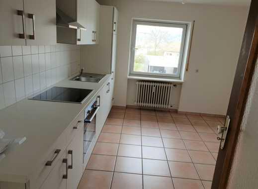 Etwas Besonderes - wunderschöne 3-Zimmer-Wohnung m. EBK, Balkon,Garage