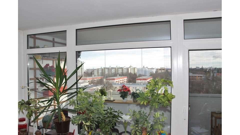 Wohnzimmerblick auf Baklon