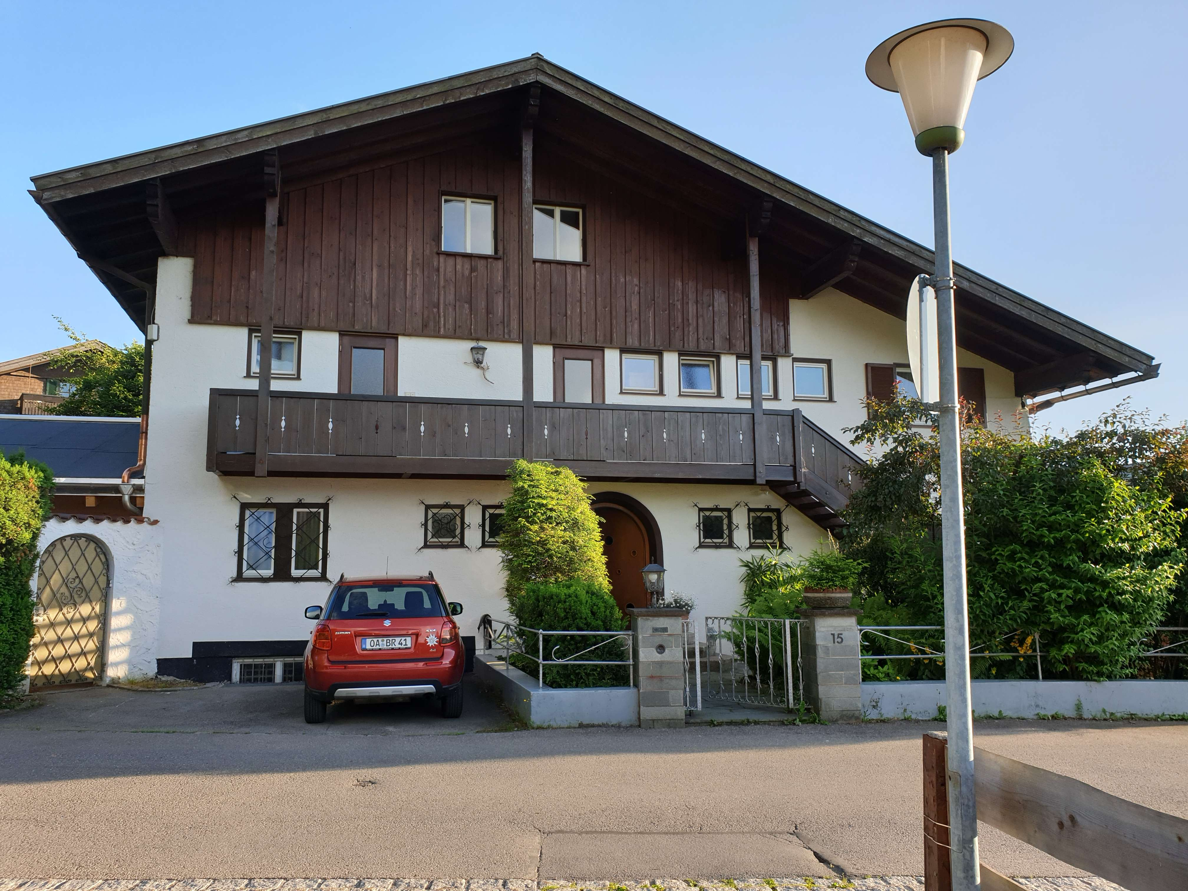 Geschmackvolle 3-Raum-DG-Wohnung mit Balkon und EBK in Oberstdorf in