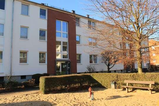 Schöne 3-Zimmer Wohnung mit sonnigem Balkon in Meckelfeld, Lönsring