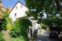 Im Dornröschenschlaf - Wohnhaus Scheune und