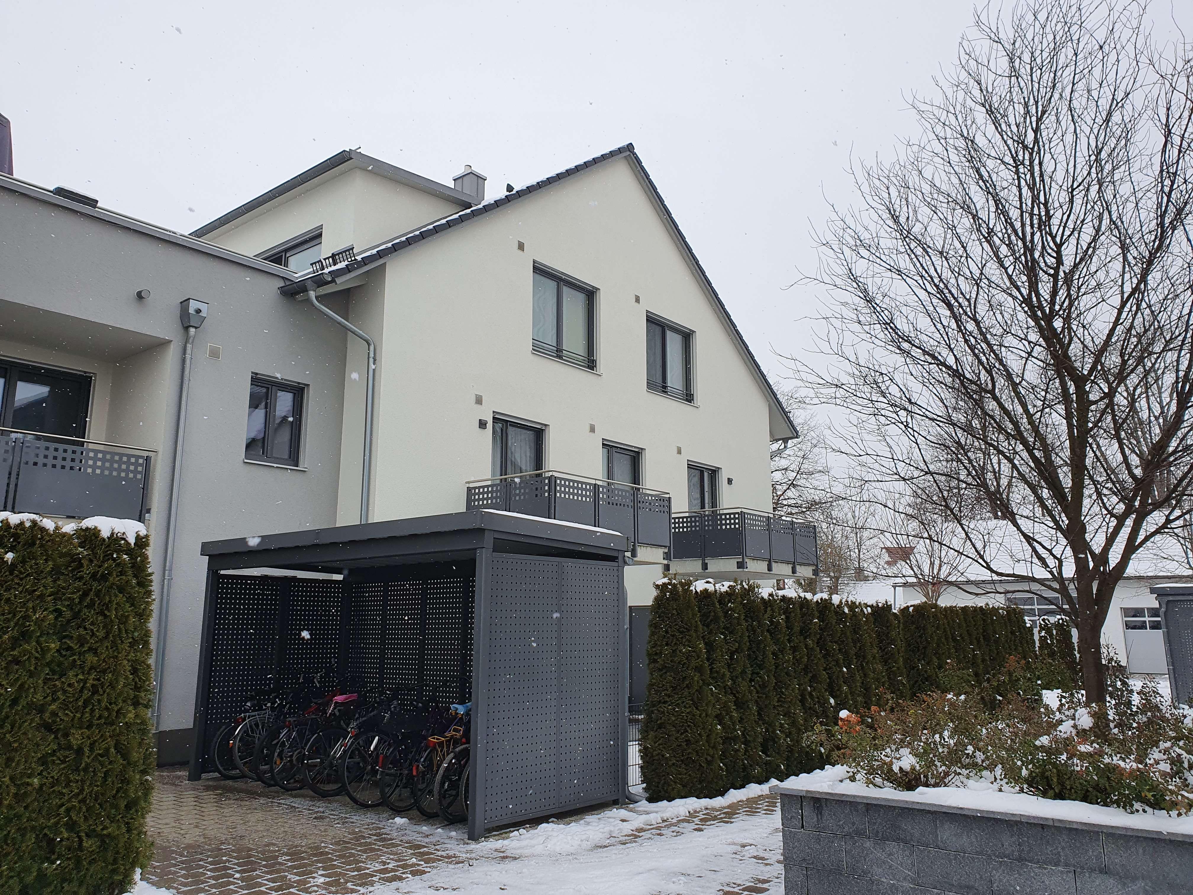 Modernes Apartment ausgerichtet zum ruhigen Hinterhof, Nähe TU München OT Dietersheim in