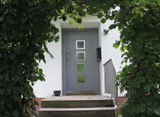 Saniertes Reihenmittelhaus mit sechs Zimmern in Segeberg (Kreis), Norderstedt - hochwertig