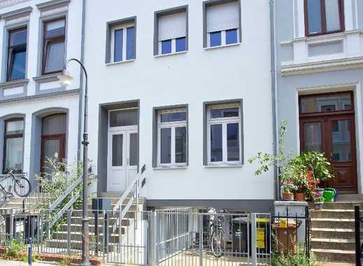 Umfangreich saniertes Altbremer Haus mit drei Wohneinheiten im Viertel