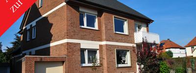 Schöne Obergeschosswohnung mit Balkon und Garage, in P.W.-Neesen