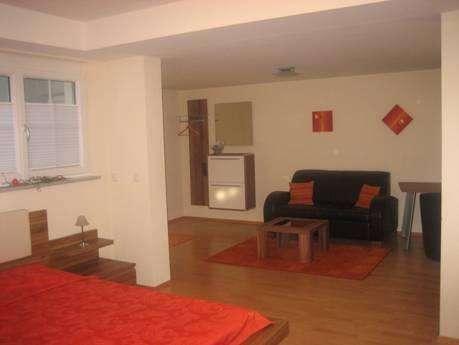 Attraktive, moderne & ruhige, schön-möblierte Wohnung NUR für Pendler