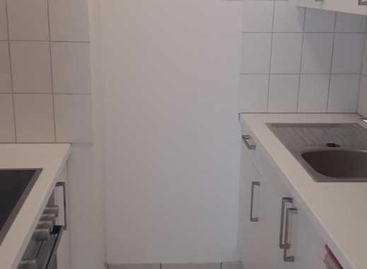 1-Zi.- Single Wohnung m.EBK, großes Duschbad m.Fenster, Stellplatz