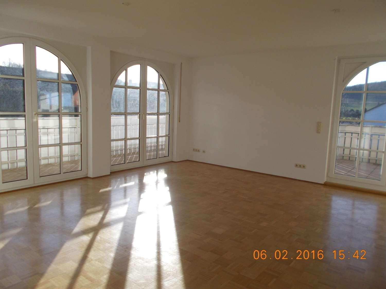 helle 5 Zimmer Traumwohnung, zwischen Würzburg und Gemünden in Karlstadt (Main-Spessart)