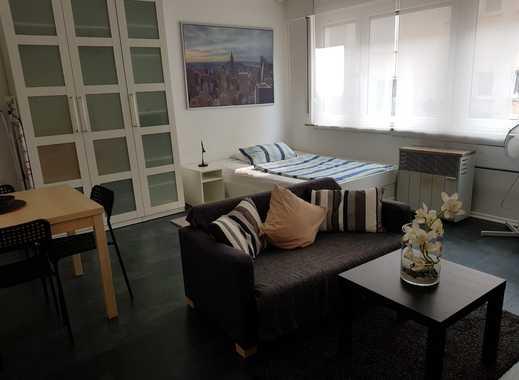 Stilvolle, sanierte 1-Zimmer-Wohnung mit EBK in Stuttgart