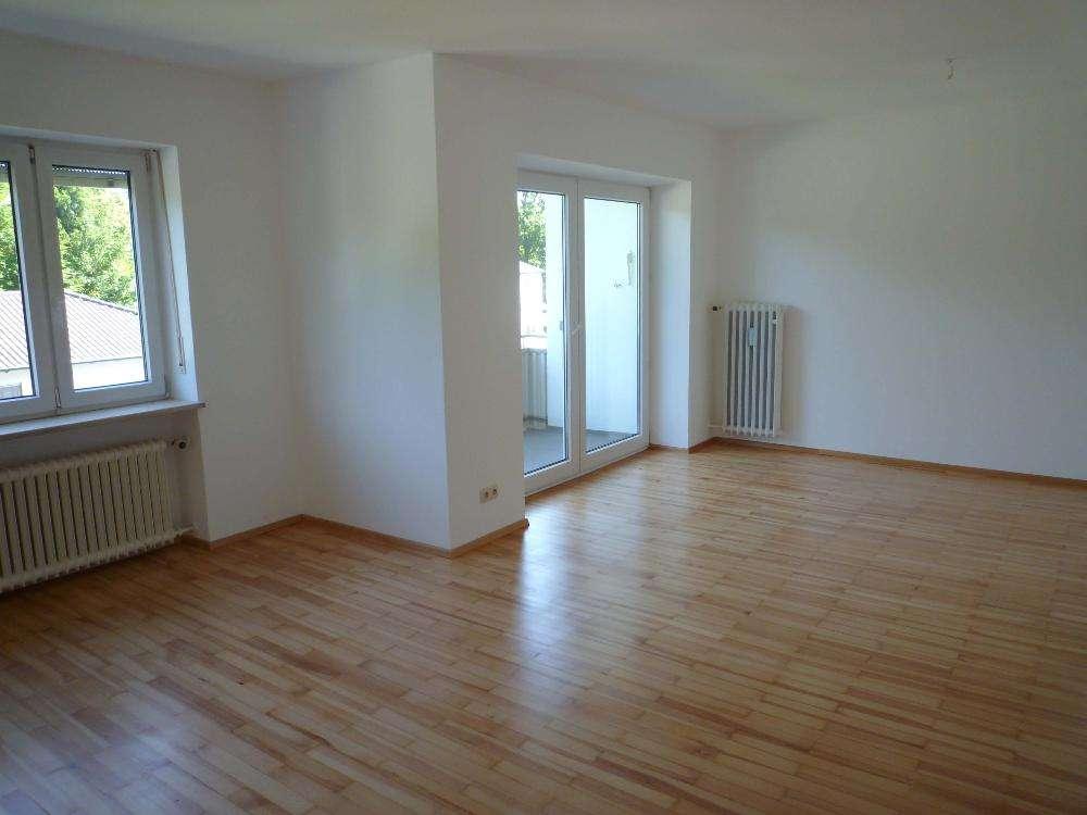 Ch.Schülke-Immobilien; Moosburg! Gut geschnittene 3-Zi-Wohnung mit Balkon in