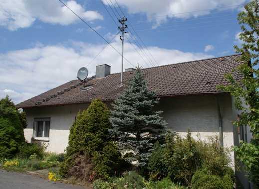 3-Familienhaus mit Nebengebäude, Tierhaltung möglich