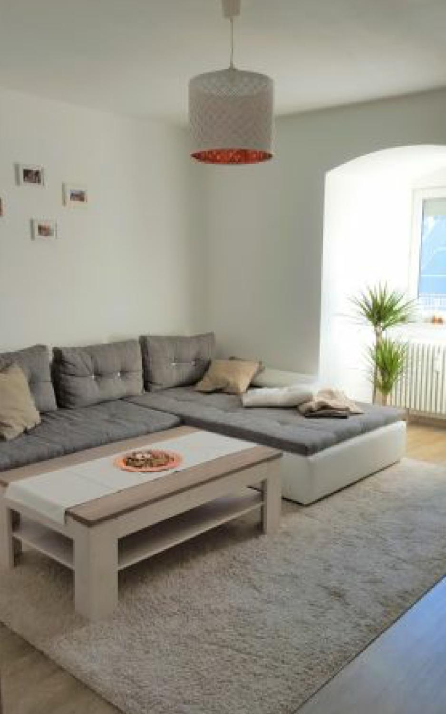 Charmante 2- Zimmer Altbauwohnung im Zentrum von Neuburg