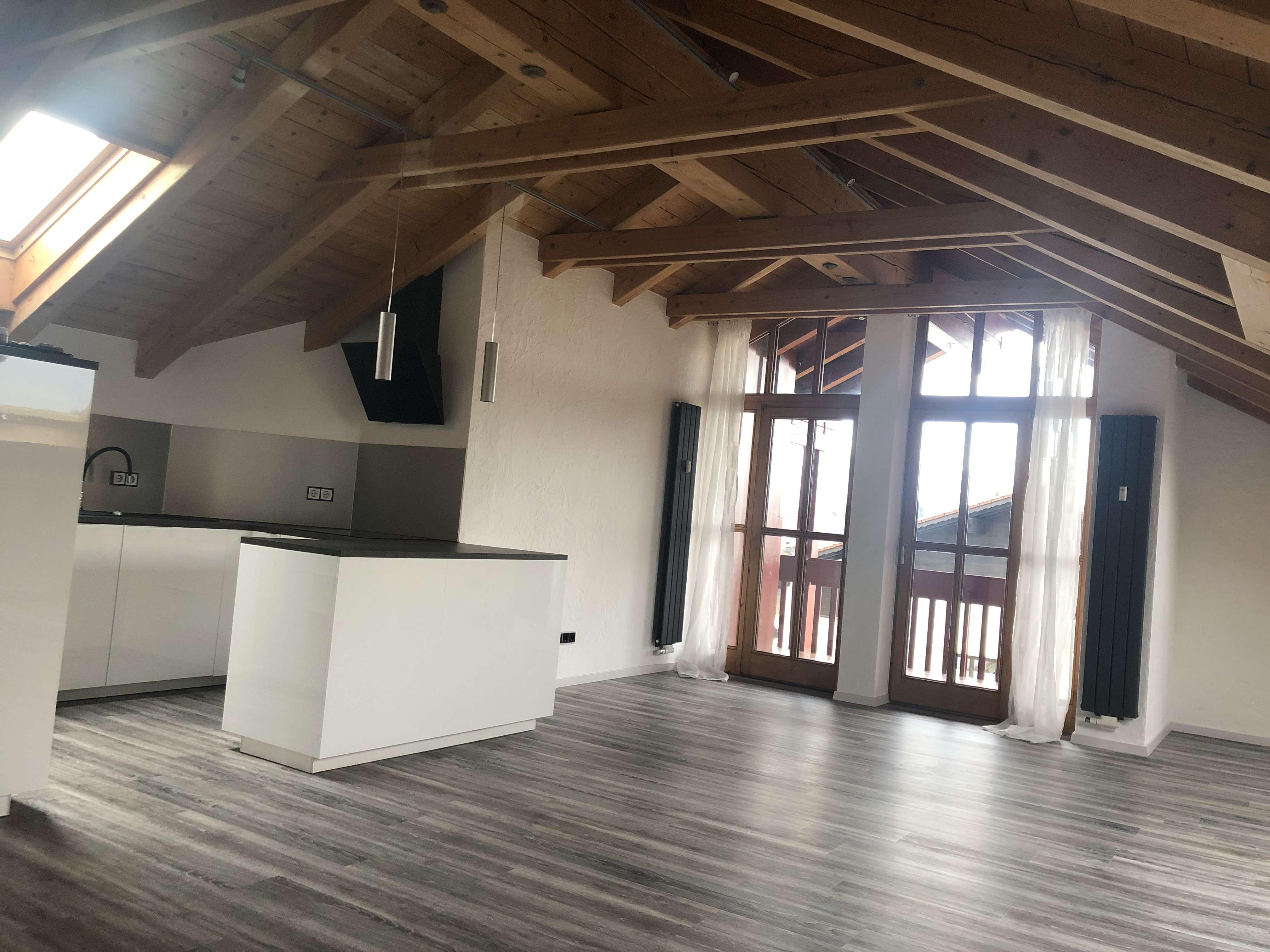 ERSTBEZUG NACH SANIERUNG! Schöne, zentral gelegene drei Zimmer Wohnung in Murnau am Staffelsee in Murnau am Staffelsee