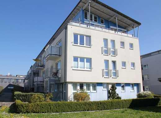 Äußerst individuelle, elegante und komfortable 2 1/2-Zimmer-Penthousewohnung in guter Stadtrandlage