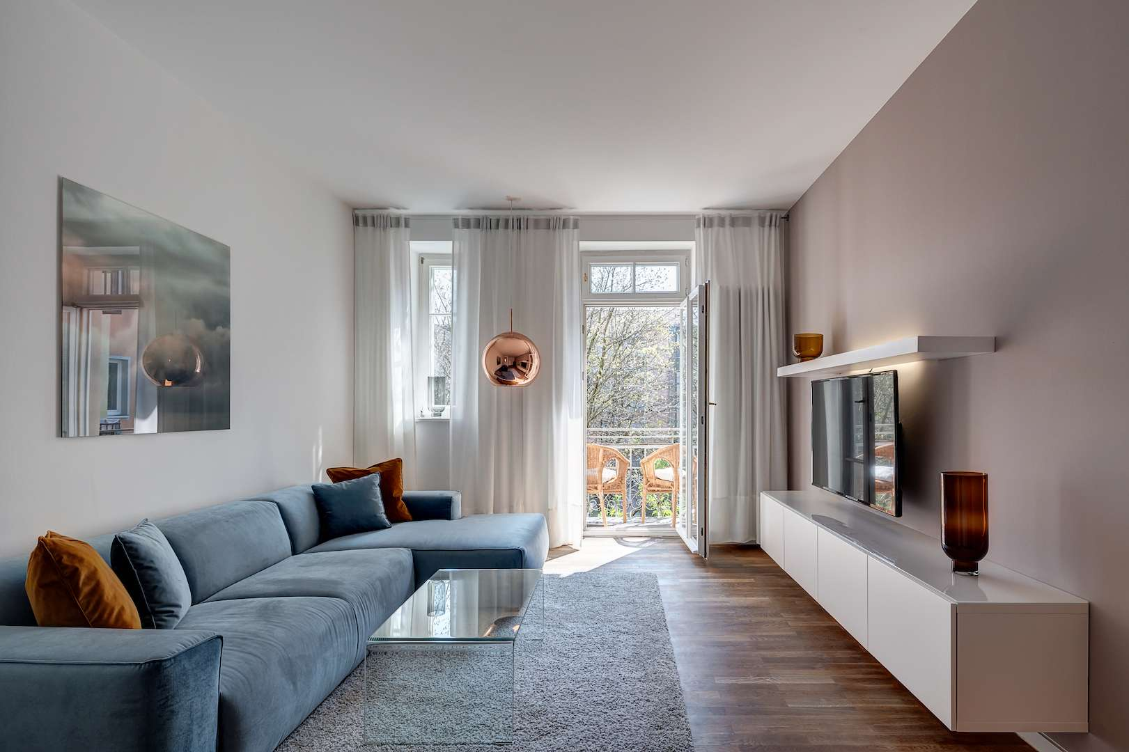 MÖBLIERT | Neuwertige 2-Zimmer-Wohnung im sanierten Altbau mit Balkon | Sendling