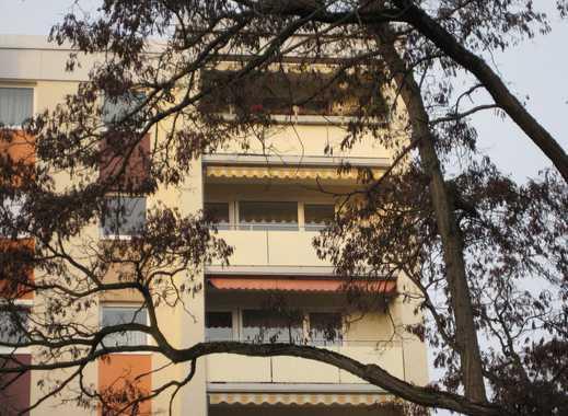 Gepflegte 3-Zimmer-Wohnung mit Balkon und EBK in Nürnberg