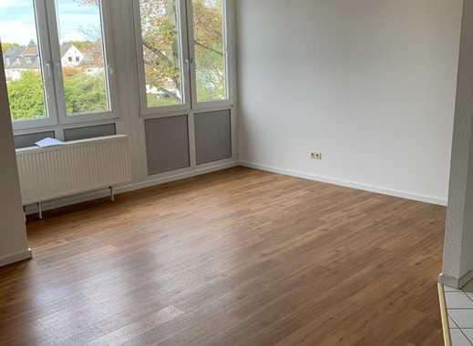 Frisch renovierte 2 Zimmer Wohnung in D-Benrath