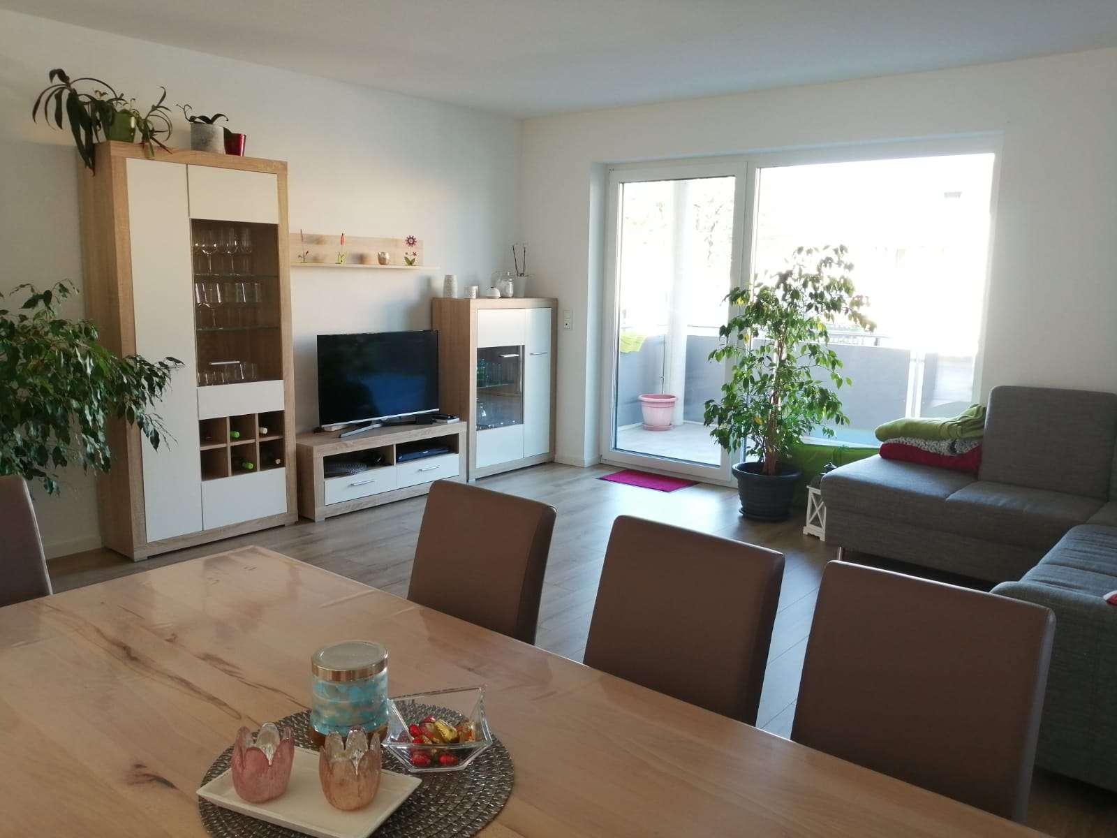 Neuwertige 3-Zimmer-Wohnung mit großem SW-Balkon und EBK