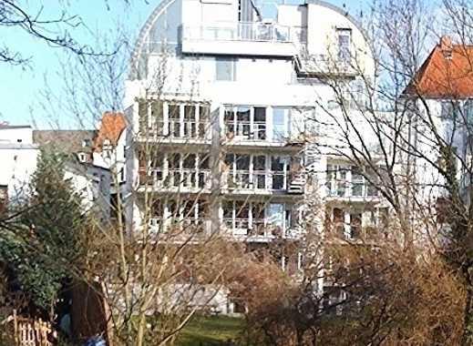 Eine außergewöhnliche City-Wohnung direkt an der Leine; 90 qm + 40 qm Terrasse
