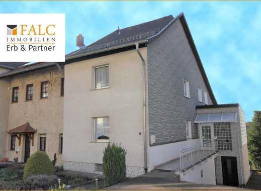 ERB & PARTNER: Sonnenhelles Haus mit schönem Garten & Terrasse!