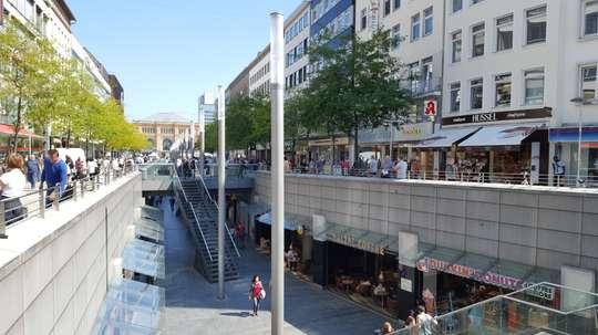 Ladenfläche in der Niki-de-Saint-Phalle-Promenade zu vermieten