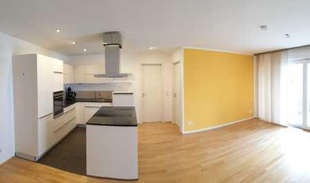 Exklusive, neuwertige 2-Zimmer-Wohnung mit Balkon und EBK in Vaterstetten in Vaterstetten