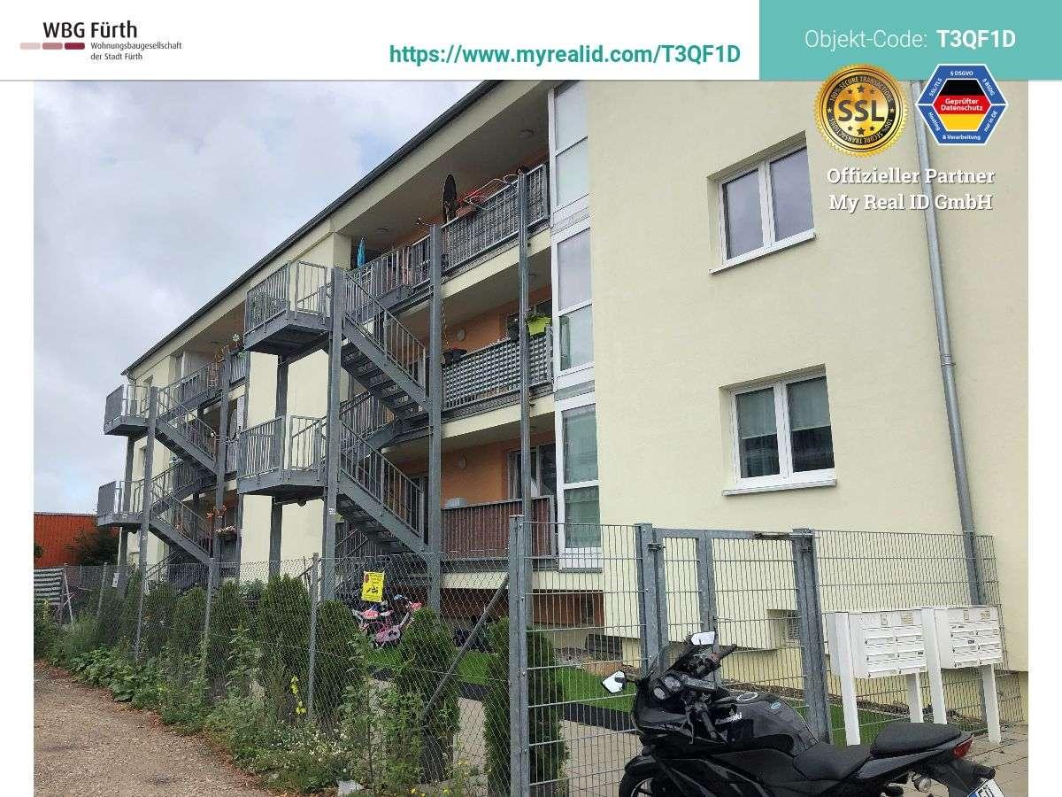 Preisgünstige 3 Zimmer-Wohnung - mit WBS bayer. Modernisierungsprogramm in Südstadt (Fürth)