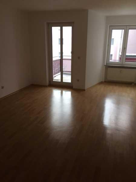Schöne 3-ZKB-Wohnung mit Balkon in Aichach ab 01.10.2020 frei in Aichach