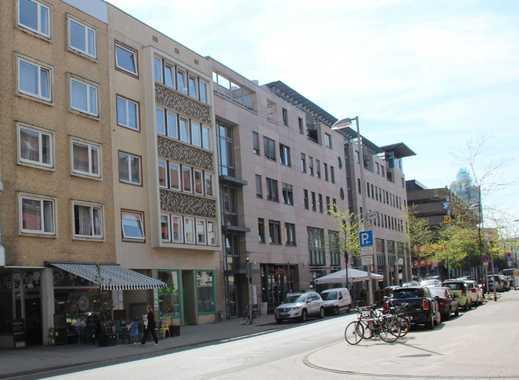 Helle Ladenfläche in direkter Innenstadtnähe mit großer Schaufensterfront