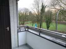 Helle 1-Zimmer-Wohnung mit Balkon im