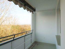Balkon mit Markise.jpg