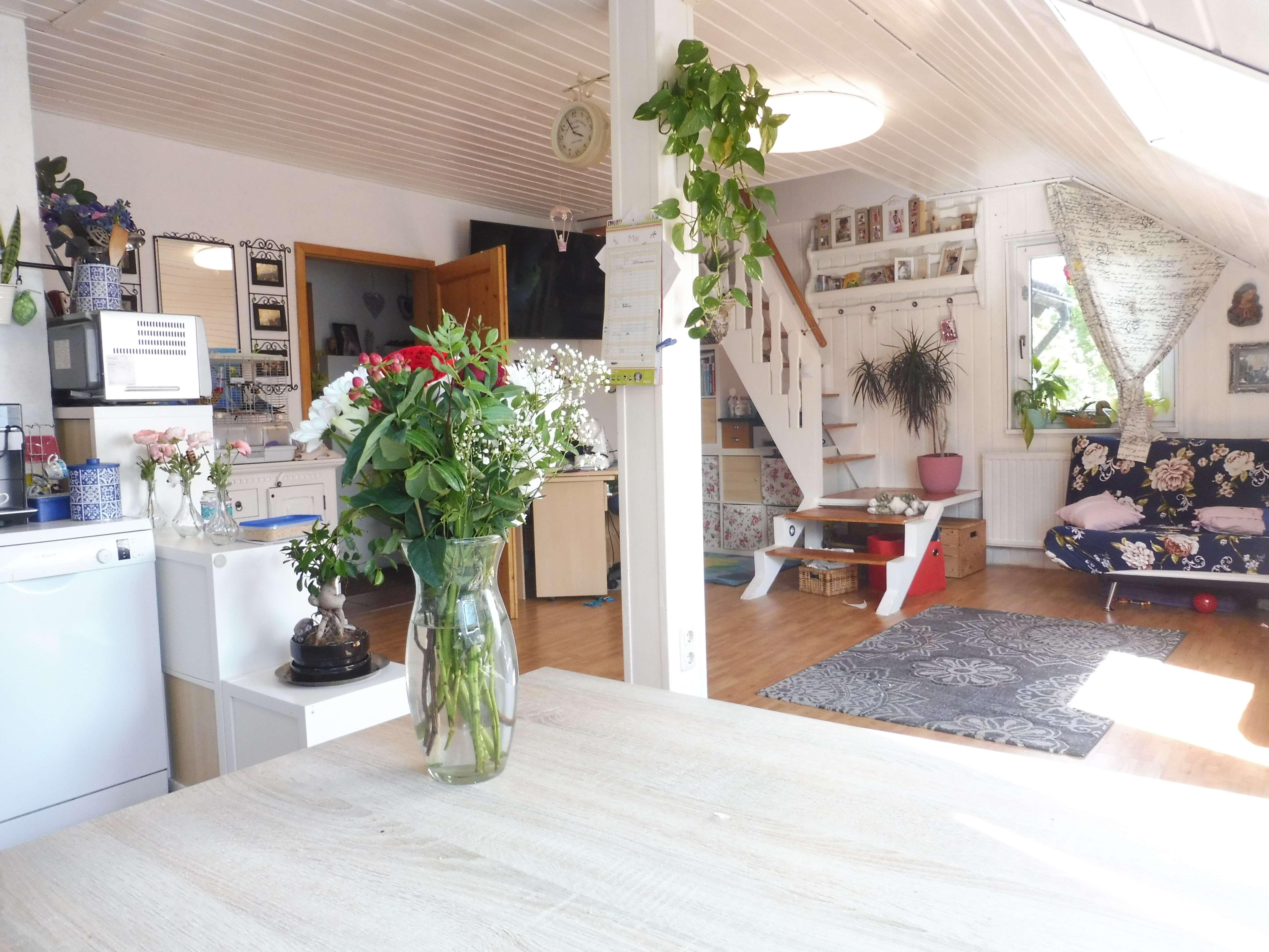 Stilvolle 3,5-Zimmer-Dachgeschosswohnung mit Einbauküche in Finsing