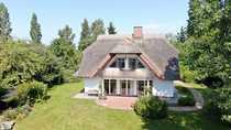Romantisches Reetdachhaus am Bodden