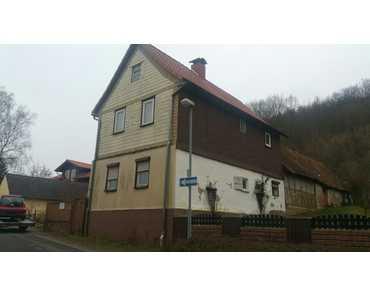 Renovierungsbedürftiges Einfamilienhaus am Waldrand in Wolkramshausen