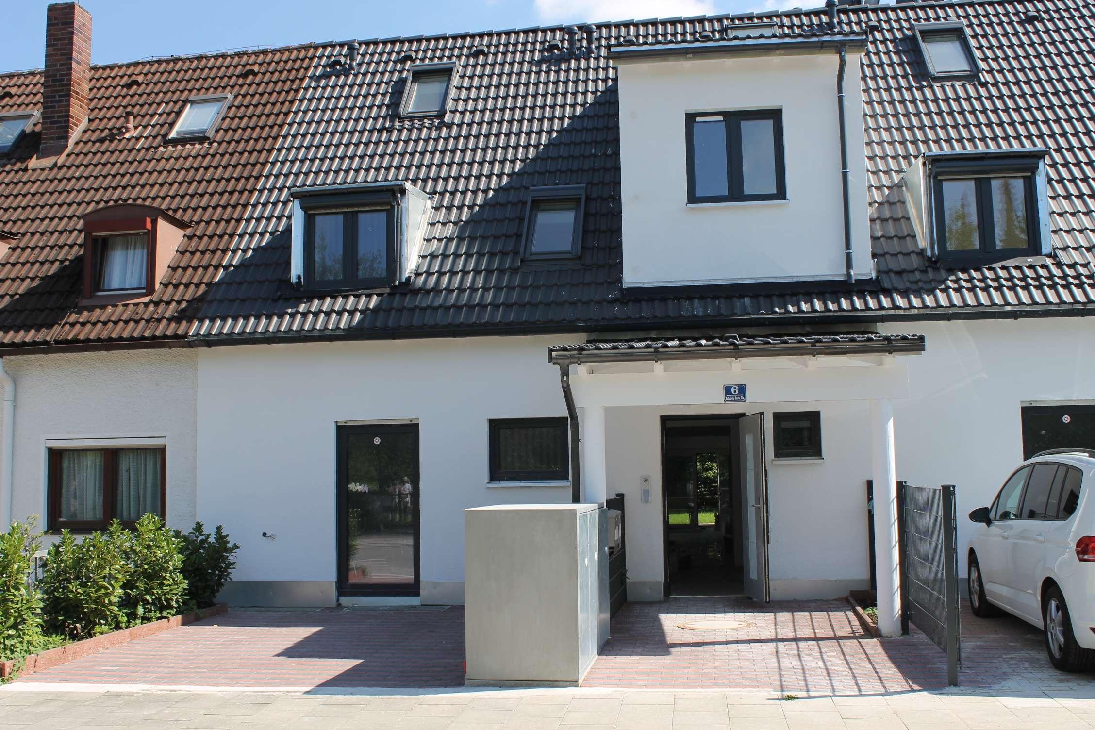 Erstbezug: stilvolle 4-Zimmer-Terrassenwohnung mit Einbauküche und Balkon in Vaterstetten in