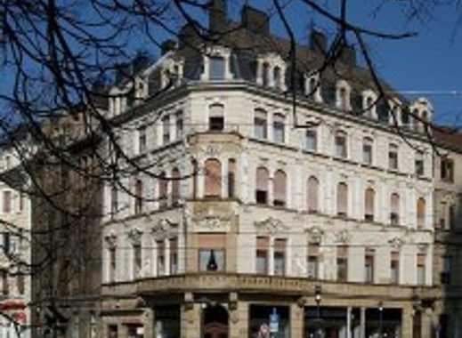 Ladenlokal in hist. Eckhaus am Rathaus St. Johann mit 20 m Schaufenster